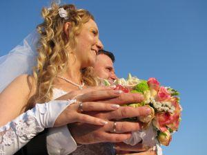 Стоит ли играть дорогую свадьбу?